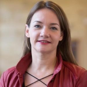 Simone Dake